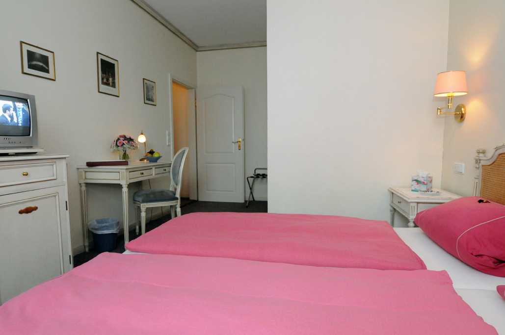 Double room with view to the Judenwiese - Non smoking dogs / pets allowed from