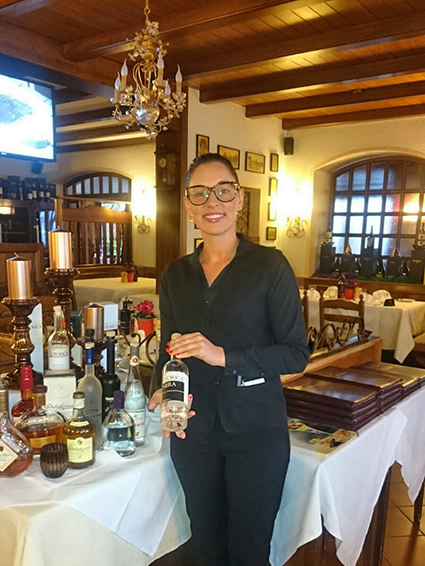 I was born in Kulmbach. After my apprenticeship in Wirsberg and stations in Regensburg and as a restaurant specialist in the Bürgerreuth, I have now taken over the restaurant management.